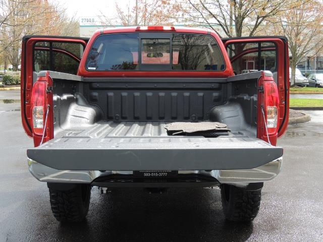 2016 Nissan Frontier SV / 4X4 / Crew Cab / 6Cyl / LIFTED LIFTED - Photo 23 - Portland, OR 97217
