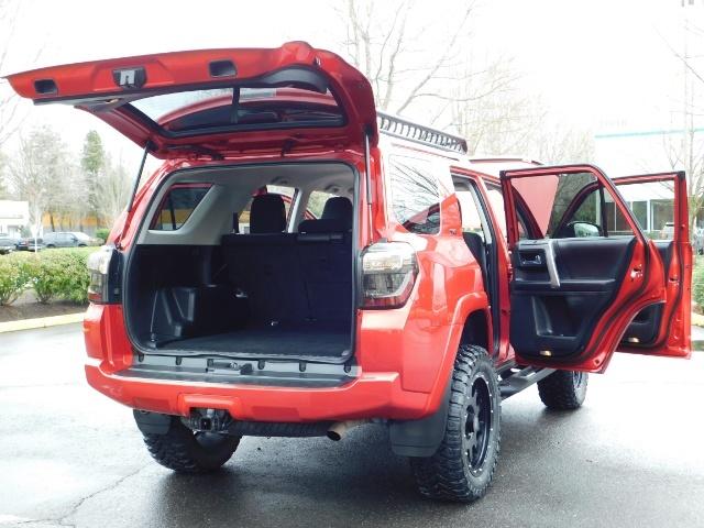 2016 Toyota 4Runner SR5 / 4X4 / Rack / NAV / BACKUP / LIFTED LIFTED - Photo 37 - Portland, OR 97217