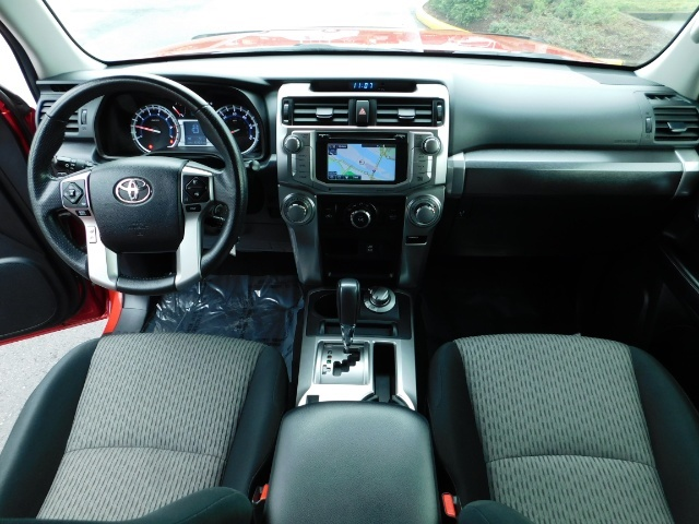 2016 Toyota 4Runner SR5 / 4X4 / Rack / NAV / BACKUP / LIFTED LIFTED - Photo 15 - Portland, OR 97217
