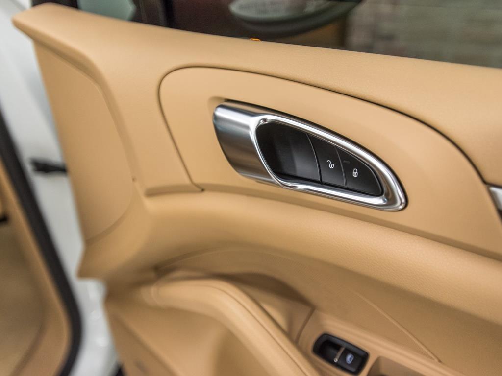2013 Porsche Cayenne GTS - Photo 27 - Springfield, MO 65802