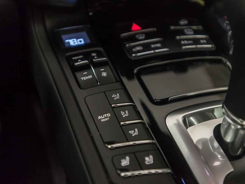2016 Porsche Cayenne Turbo - Photo 16 - Springfield, MO 65802