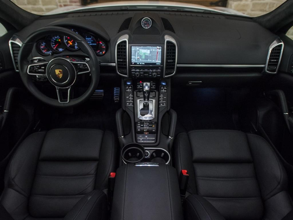 2016 Porsche Cayenne Turbo - Photo 2 - Springfield, MO 65802