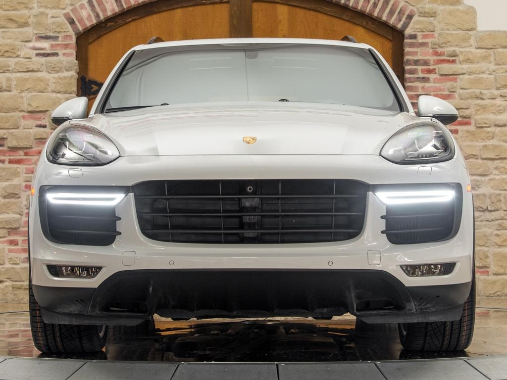 2016 Porsche Cayenne Turbo - Photo 5 - Springfield, MO 65802