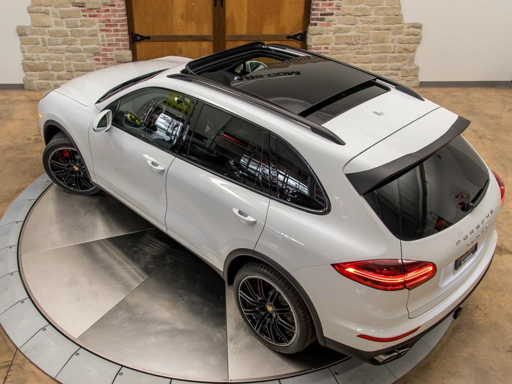 2016 Porsche Cayenne Turbo - Photo 28 - Springfield, MO 65802