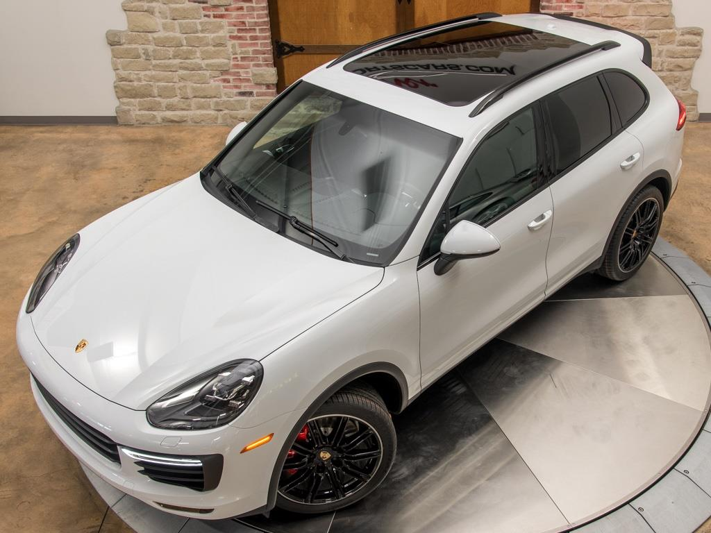 2016 Porsche Cayenne Turbo - Photo 29 - Springfield, MO 65802