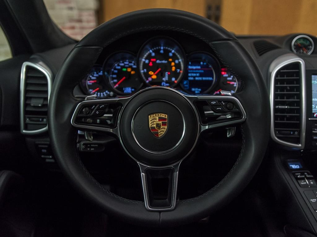 2016 Porsche Cayenne Turbo - Photo 10 - Springfield, MO 65802