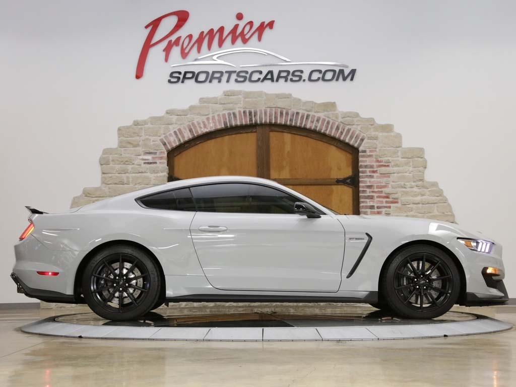 2017 Ford Mustang Shelby GT350 - Photo 3 - Springfield, MO 65802