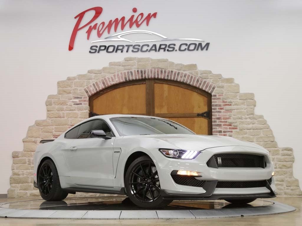 2017 Ford Mustang Shelby GT350 - Photo 4 - Springfield, MO 65802