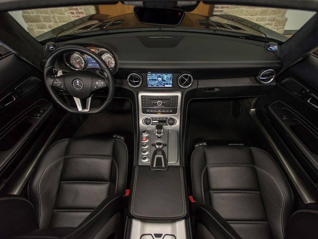 2012 Mercedes-Benz SLS AMG Roadster - Photo 2 - Springfield, MO 65802