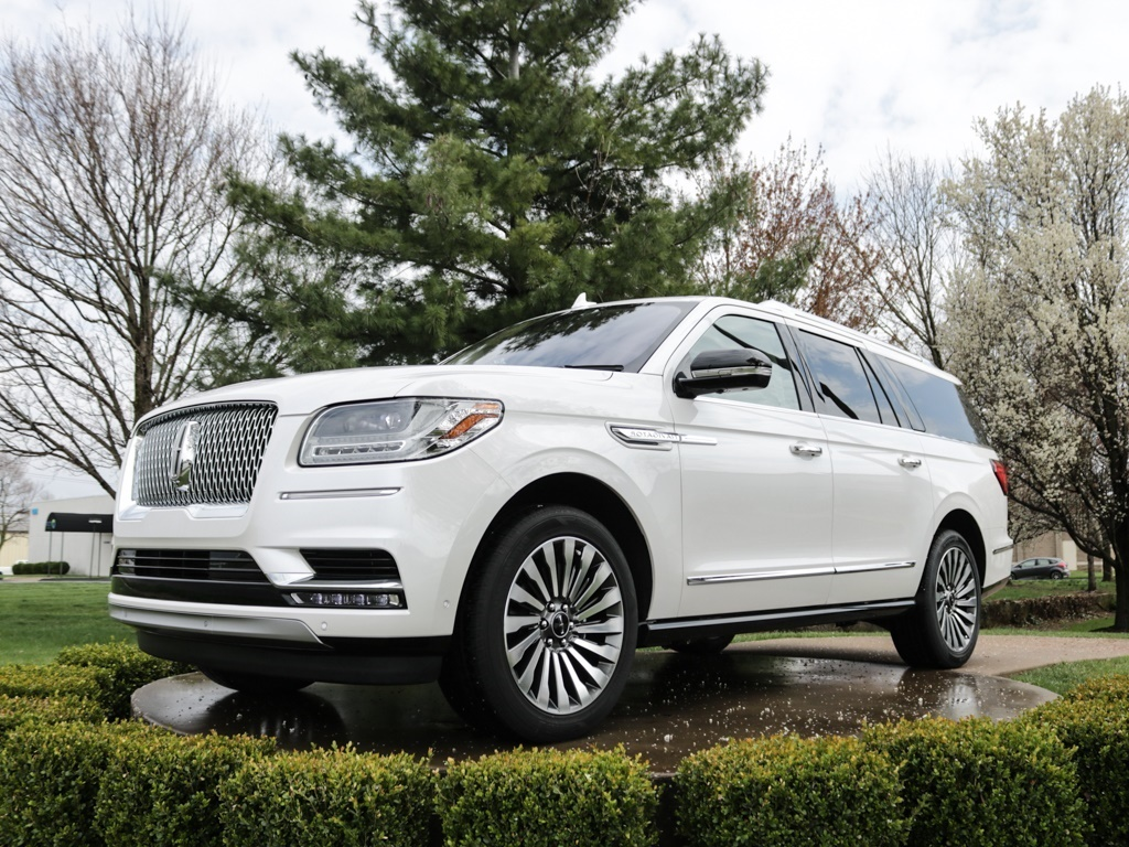 2018 Lincoln Navigator L Reserve - Photo 1 - Springfield, MO 65802
