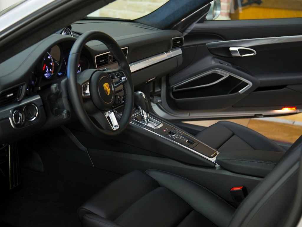 2017 Porsche 911 Turbo - Photo 21 - Springfield, MO 65802