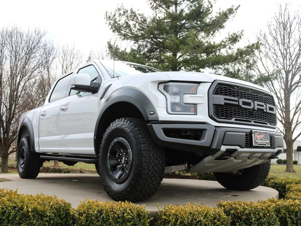 2018 Ford F-150 Raptor - Photo 4 - Springfield, MO 65802