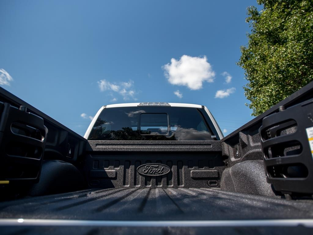 2017 Ford F-150 Raptor - Photo 26 - Springfield, MO 65802