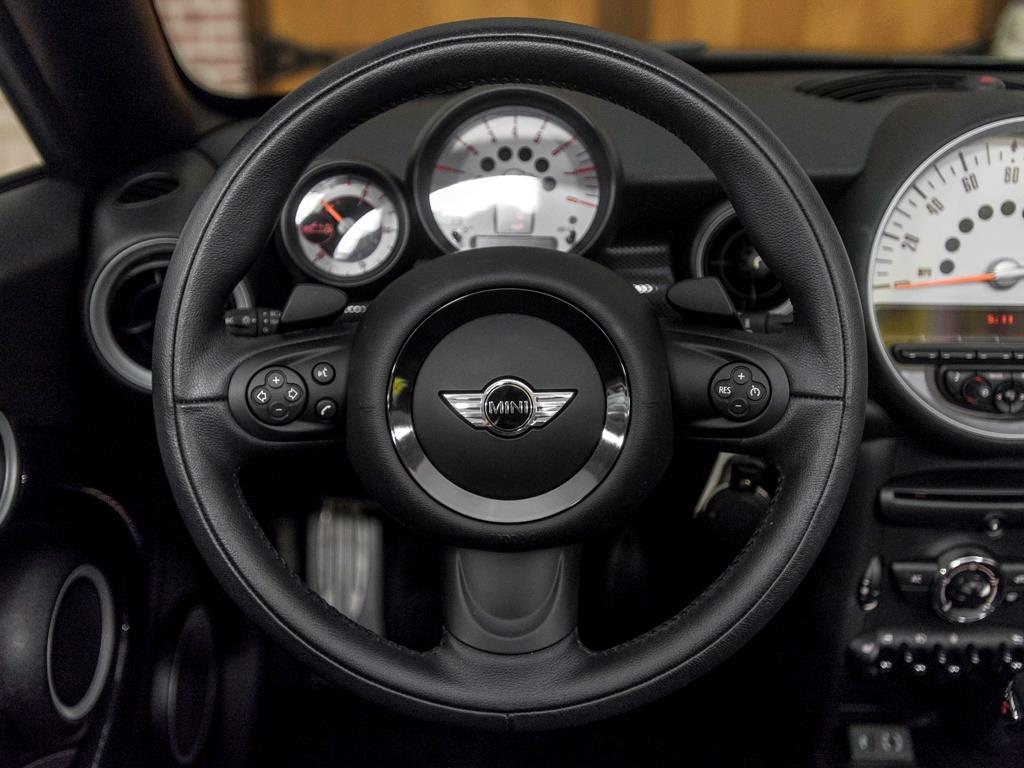 2014 Mini Roadster Cooper S - Photo 10 - Springfield, MO 65802
