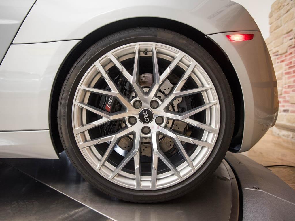 2014 Audi R8 5.2 quattro - Photo 35 - Springfield, MO 65802