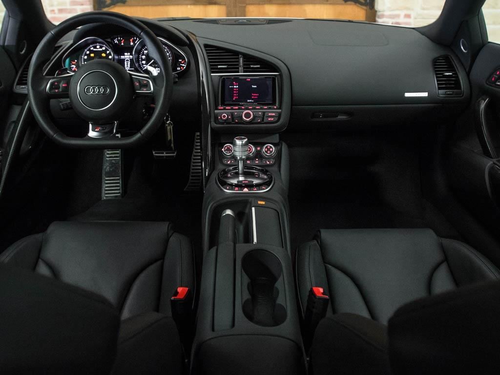 2014 Audi R8 5.2 quattro - Photo 2 - Springfield, MO 65802