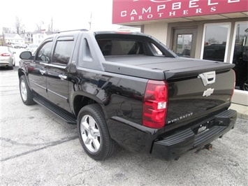 2008 Chevrolet Avalanche LS - Photo 7 - Rushville, IN 46173