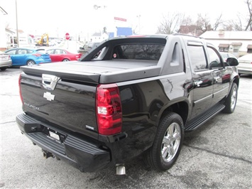 2008 Chevrolet Avalanche LS - Photo 5 - Rushville, IN 46173