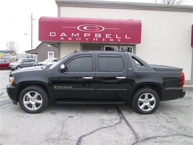 2008 Chevrolet Avalanche LS - Photo 1 - Rushville, IN 46173