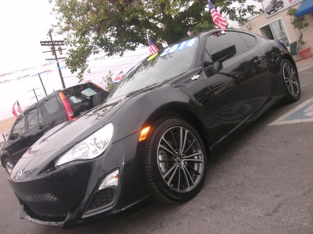 The 2014 Scion FR-S photos