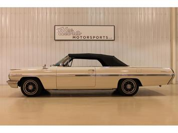 1962 Pontiac Bonneville Convertible - Photo 2 - Fort Wayne, IN 46804