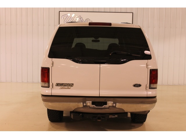 2001 Ford Excursion XLT - Photo 12 - Fort Wayne, IN 46804