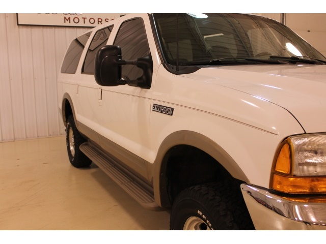 2001 Ford Excursion XLT - Photo 5 - Fort Wayne, IN 46804