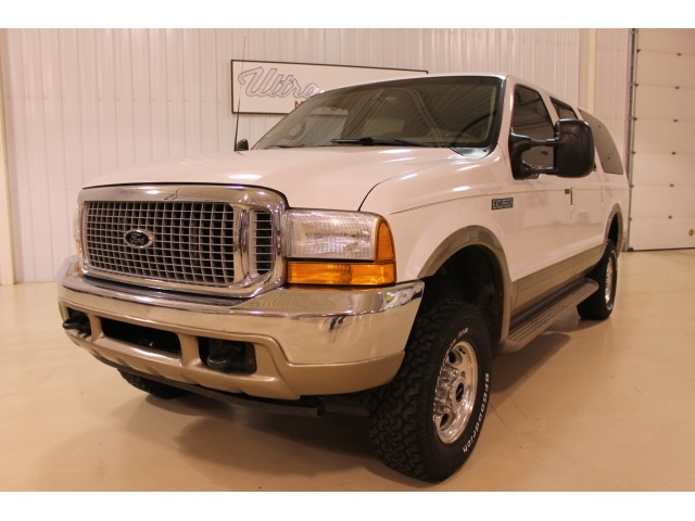 2001 Ford Excursion XLT - Photo 3 - Fort Wayne, IN 46804