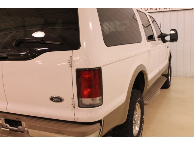 2001 Ford Excursion XLT - Photo 16 - Fort Wayne, IN 46804