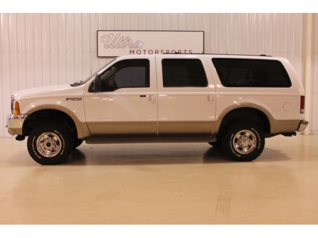 2001 Ford Excursion XLT - Photo 1 - Fort Wayne, IN 46804