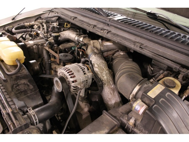 2001 Ford Excursion XLT - Photo 21 - Fort Wayne, IN 46804