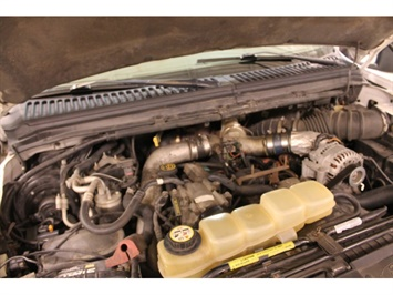 2001 Ford Excursion XLT - Photo 20 - Fort Wayne, IN 46804