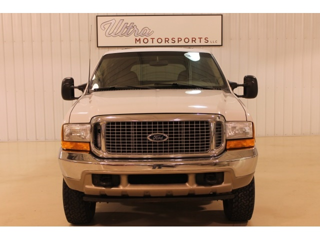 2001 Ford Excursion XLT - Photo 4 - Fort Wayne, IN 46804