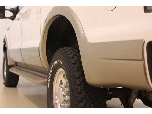 2001 Ford Excursion XLT - Photo 15 - Fort Wayne, IN 46804