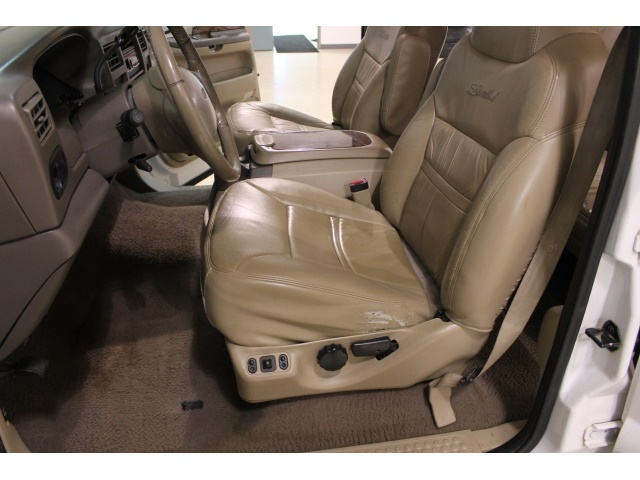 2001 Ford Excursion XLT - Photo 37 - Fort Wayne, IN 46804