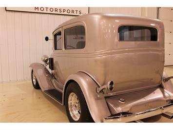 1932 Chevrolet Streetrod - Photo 15 - Fort Wayne, IN 46804