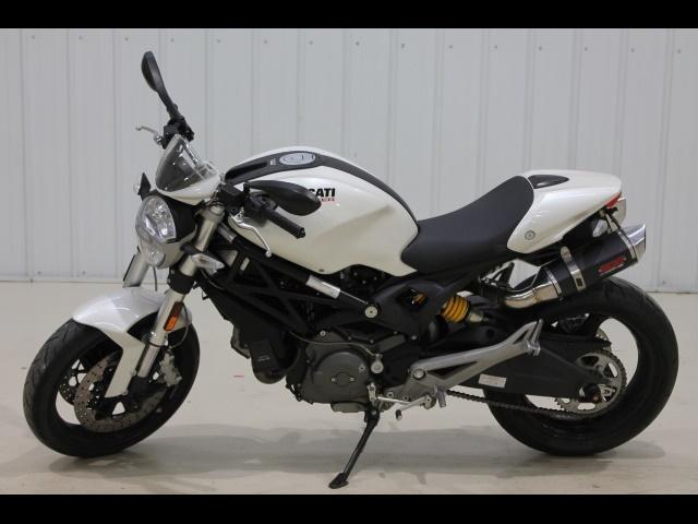 2010 Ducati Monster 696