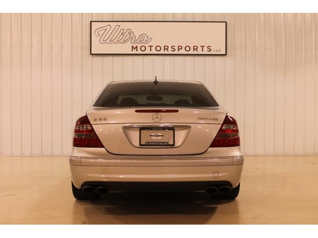 2004 Mercedes-Benz E 55 AMG - Photo 10 - Fort Wayne, IN 46804