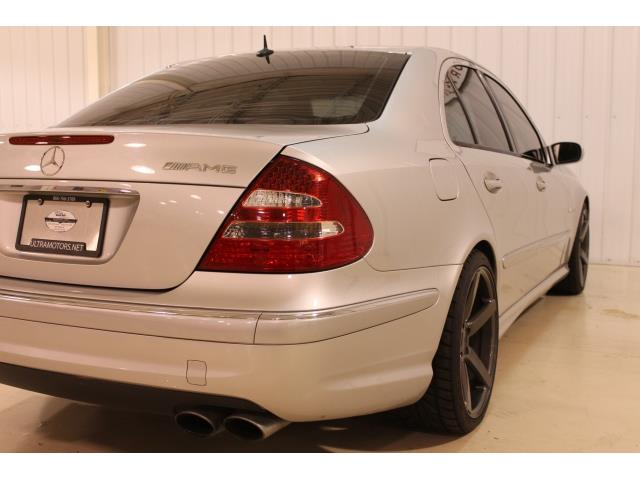 2004 Mercedes-Benz E 55 AMG - Photo 12 - Fort Wayne, IN 46804