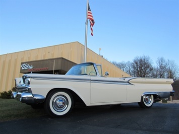 1959 Ford Fairlane 500 Skyliner Convertible