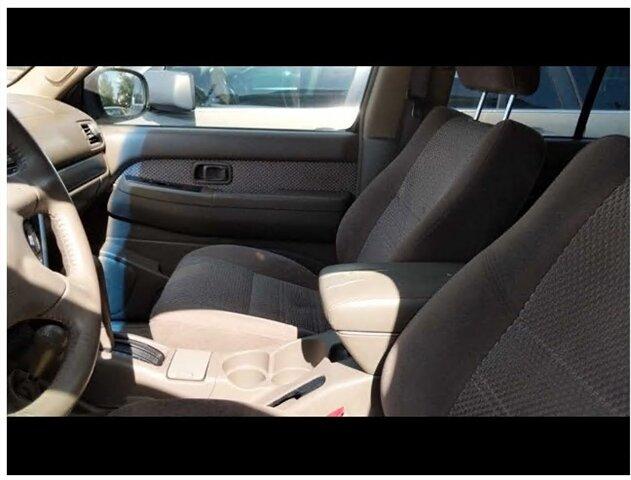 2003 Nissan Pathfinder LE photo