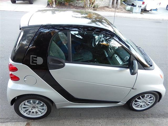 2014 Smart fortwo passion electric - Photo 5 - San Diego, CA 92126