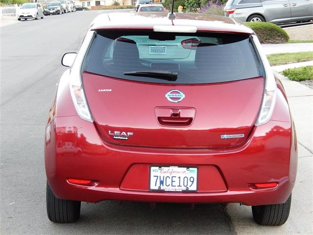 2013 Nissan Leaf SV Premium Package - Photo 7 - San Diego, CA 92126