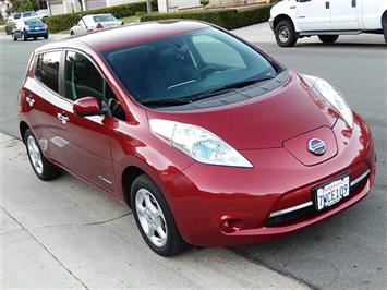 2013 Nissan Leaf SV Premium Package - Photo 4 - San Diego, CA 92126