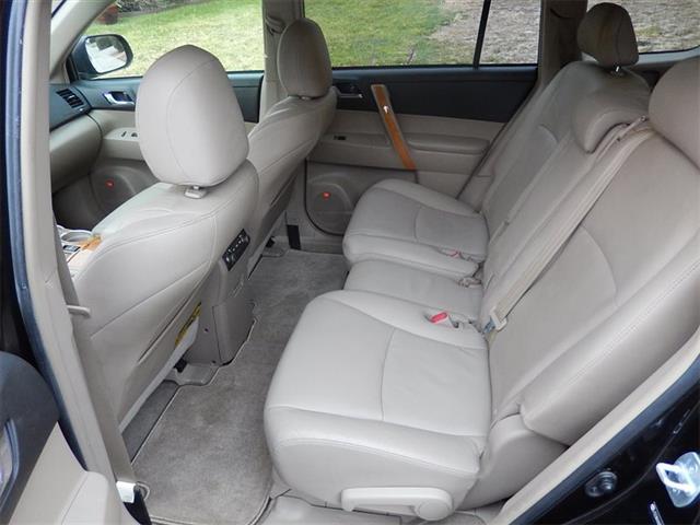 2008 Toyota Highlander Hybrid Limited - Photo 11 - San Diego, CA 92126
