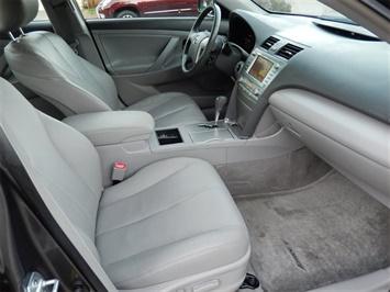 2007 Toyota Camry Hybrid XLE - Photo 13 - San Diego, CA 92126