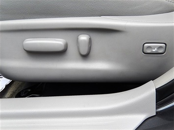 2007 Toyota Camry Hybrid XLE - Photo 19 - San Diego, CA 92126