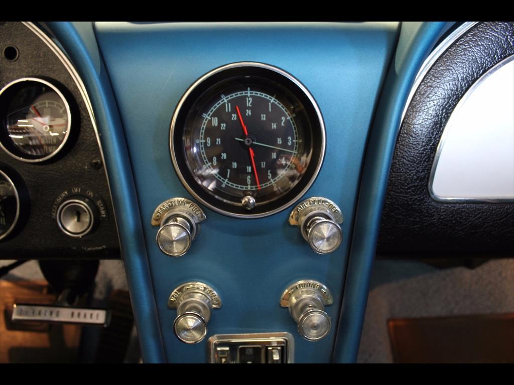 1965 Chevrolet Corvette Sting Ray - Photo 28 - Rancho Cordova, CA 95742