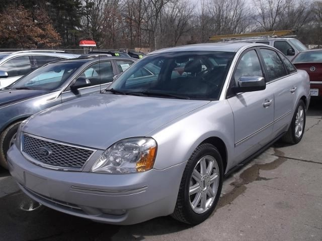 2005 Ford Five Hundred Limited photo