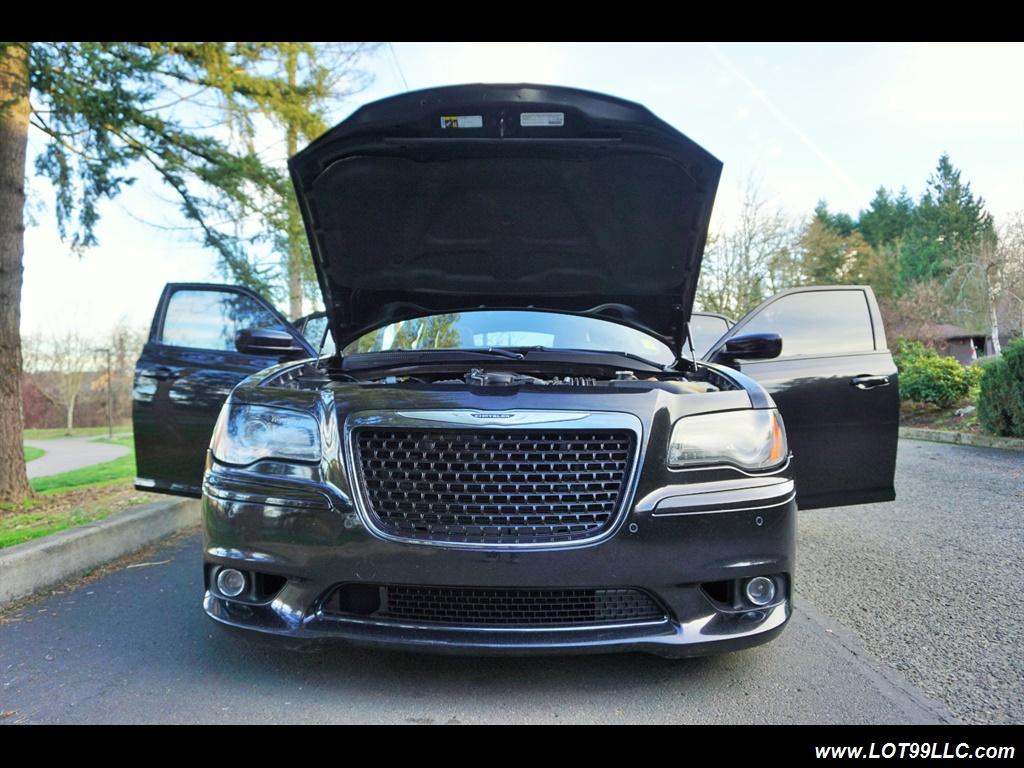 2014 Chrysler 300 Series SRT8 470 HP Loaded Panoramic Roof. - Photo 40 - Milwaukie, OR 97267